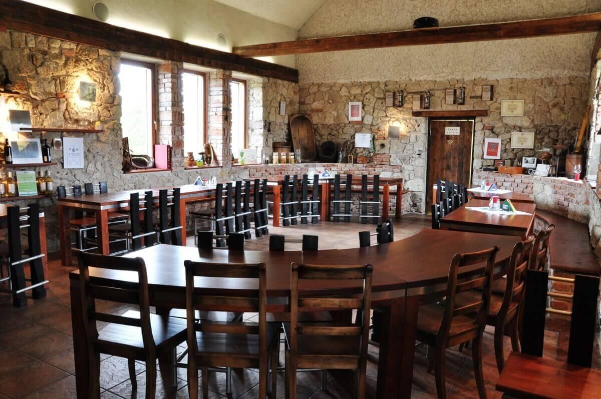 Vínna sála v Tokajskom dome (50 ľudí) od terasy