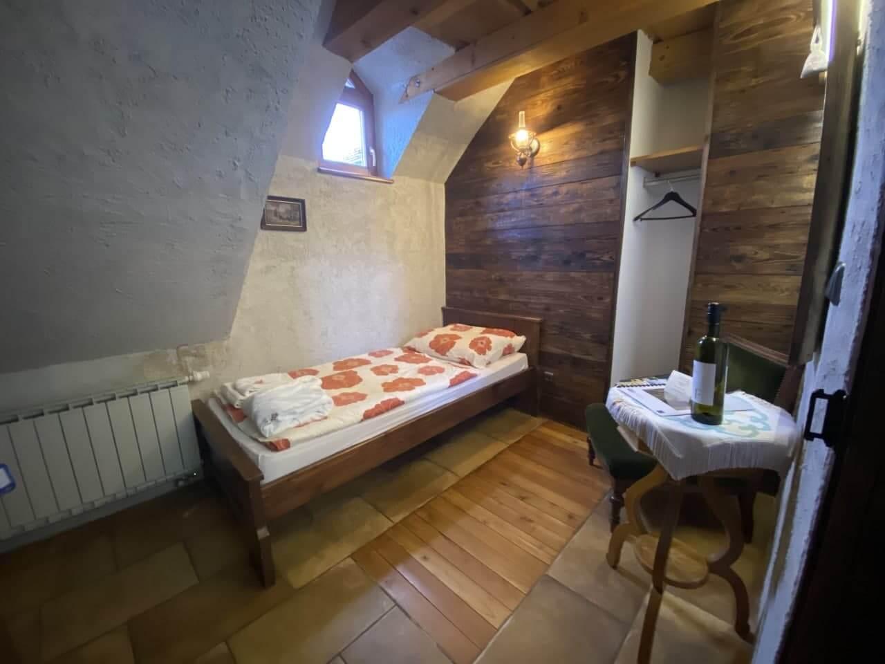 Furmint (dvojlôžková izba so spoločným sociálnym zariadením)