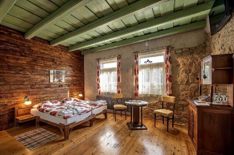 Virginia 1(dvojlôžková izba s manželskou posteľou)2