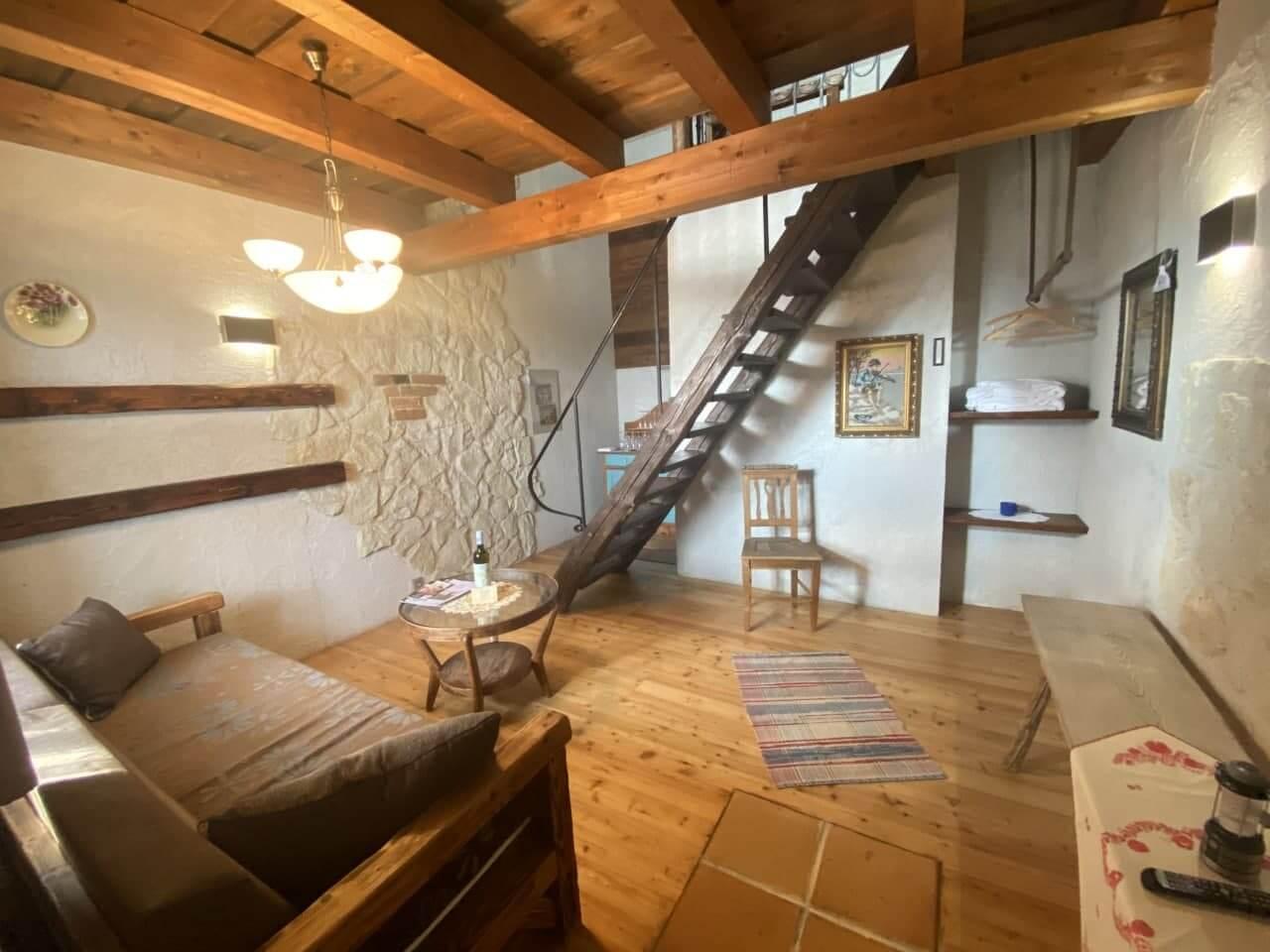 Šimonov vrch 8(mezonetový apartmán)